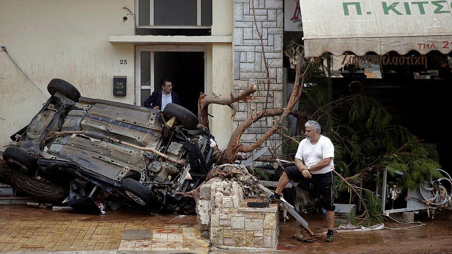 Au moins 14 morts dans des torrents de boue près d'Athènes