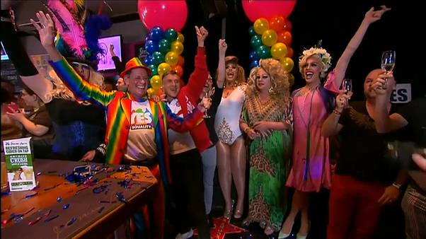 """Jubilation en Australie après le """"oui"""" au mariage gay"""