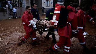 Εθνική τραγωδία στην Ελλάδα: 15 νεκροί από τις φονικές πλημμύρες