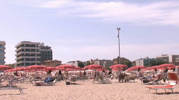 Stessa spiaggia, stesso mare? Forse