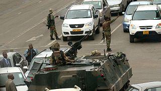 هل أطاح الجيش برجل زيمبابوي القوي؟