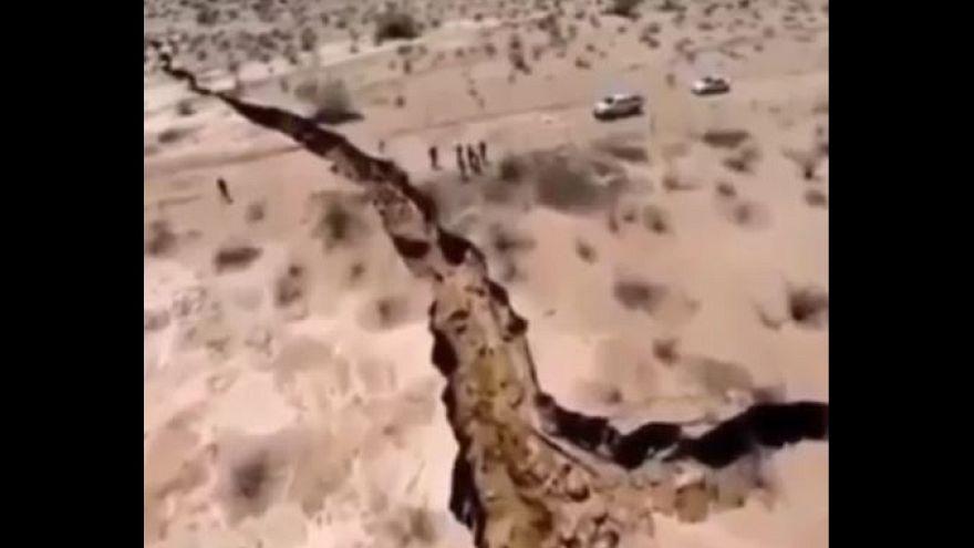No, il video della terra squarciata non è del terremoto in Iran e Iraq