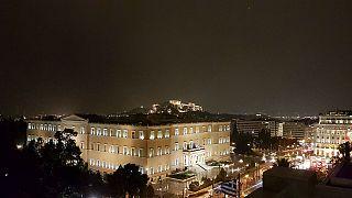Βροχές και καταιγίδες σε όλη την Ελλάδα – Κλειστά τα σχολεία στην Αττική