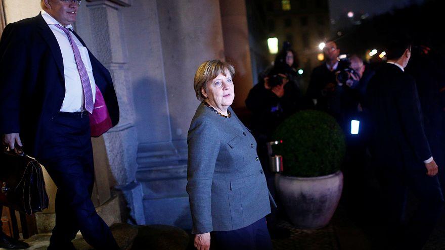 """Merkel sem acordo para formar coligação """"Jamaica"""""""
