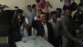Szankciókra számíthat a kambodzsai vezetés