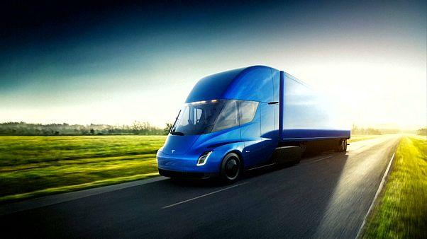 Tesla: Παρουσίασε νέο ημιφορτηγό