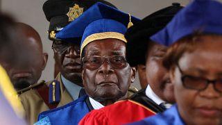 موگابه در انظار عمومی حاضر شد