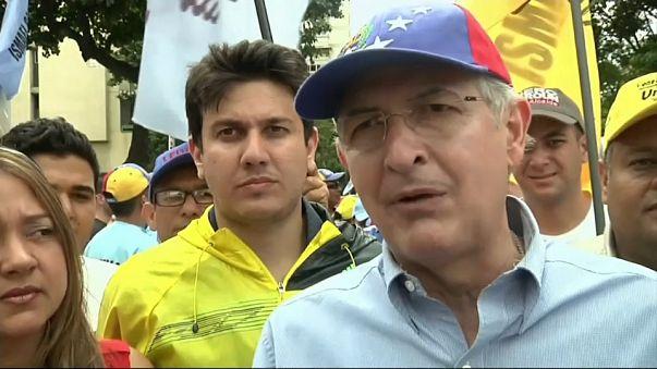 Le maire de Caracas, Antonio Ledezma, a fui en Colombie