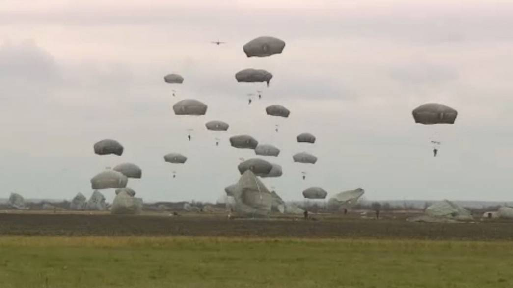Serbian and U.S. army paratroopers jump together to strenghten ties
