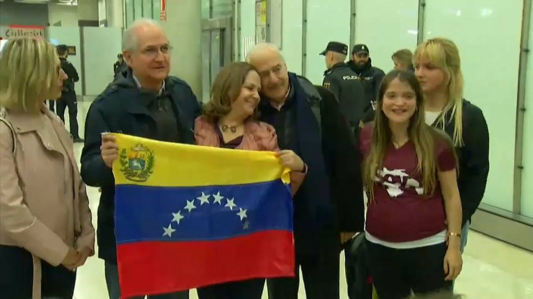 Venezuela's opposition leader, Antonio Ledezma, flees to Spain