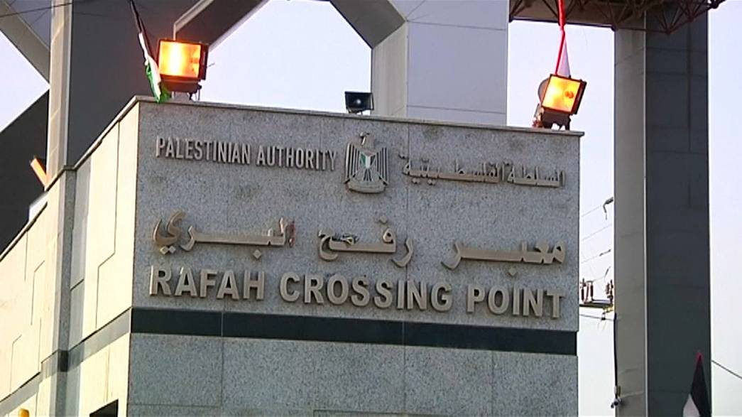 Fronteira entre Egito e Gaza reabre sob controlo palestiniano
