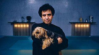 وفاة مصمم الأزياء التونسي الأصل عز الدين علية في باريس