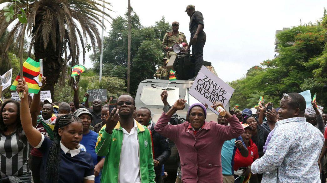 Zimbabué está a escrever o fim da era Mugabe