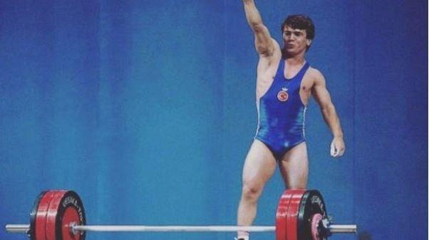 Naim Süleymanoğlu'nun hayatı: 50 yıla 47 dünya rekoru sığdırdı