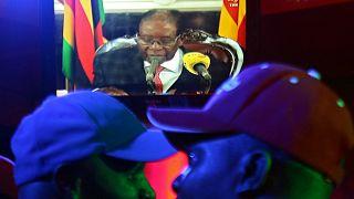 موغابي ينهي خطابه أمام شعبه دون إعلان استقالته