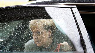 Merkel steht im Regen: FDP bricht Jamaika-Sondierungen ab