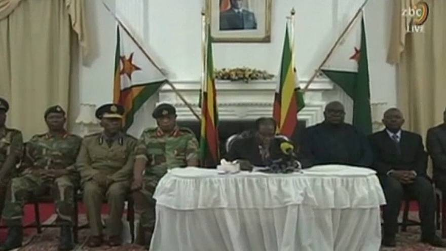 Zimbabve'nin devrik devlet başkanı Mugabe: Görevimin başındayım
