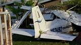 ABD: Yerleşim birimine düşen uçak polis kamerasında