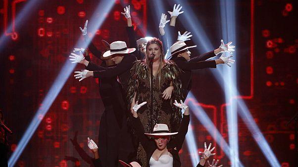 Bruno Mars dominates the 2017 American Music Awards