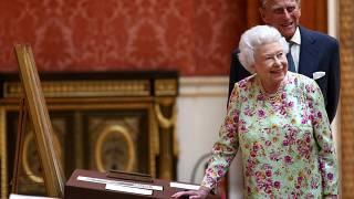 Casal real britânico celebra bodas de platina