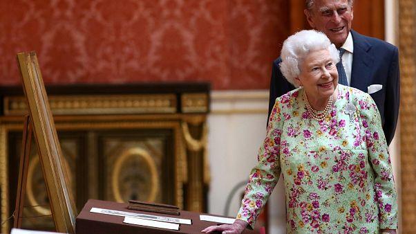 Isabel II y Felipe de Edimburgo celebran sus Bodas de Titanio