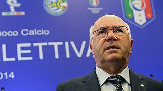 Fussball: Tavecchio tritt zurück