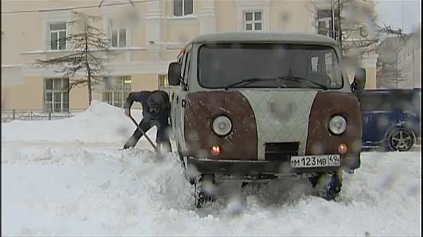 Heavy snow surprises Magadan in Russia