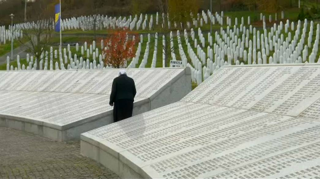 Families of Bosnia victims head to the Hague for Mladic verdict