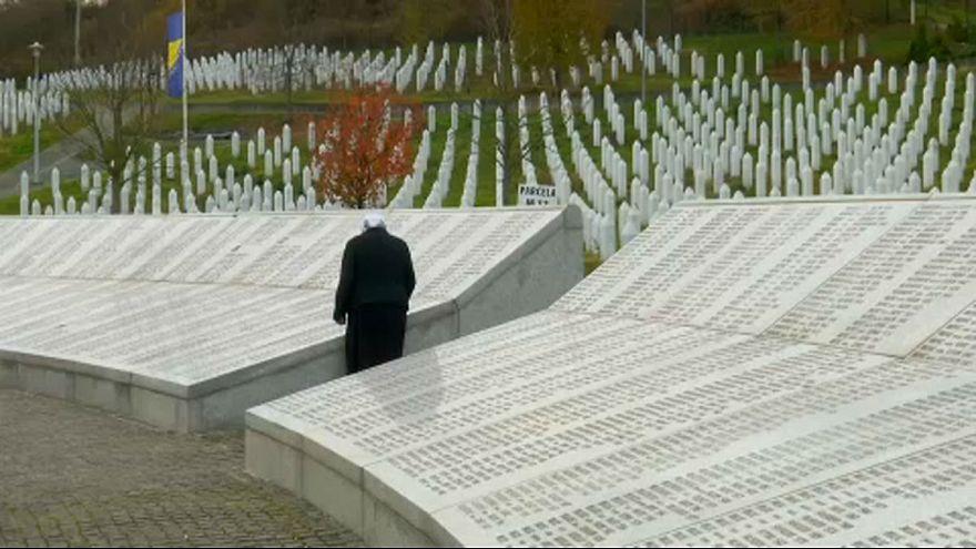 Mladic-Prozess: Hinterbliebene fordern lebenslange Haft