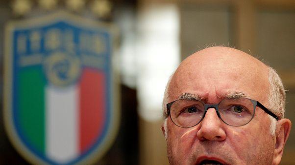 """Carlo Tavecchio lascia la Figc e denuncia """"ambizioni e sciacallaggi politici"""""""