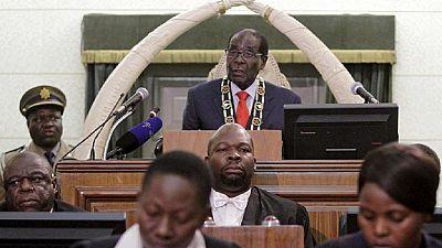 La Zanu-PF veut engager dès mardi la procédure de destitution de Mugabe