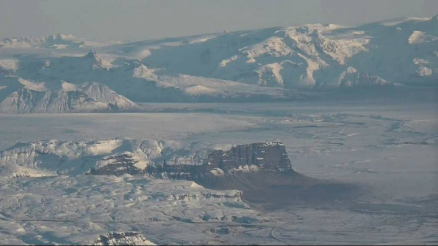 Intensa atividade em vulcão na Islândia