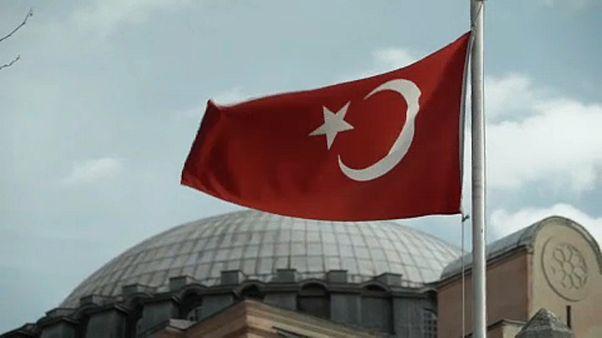 L'UE réduit son soutien financier à la Turquie