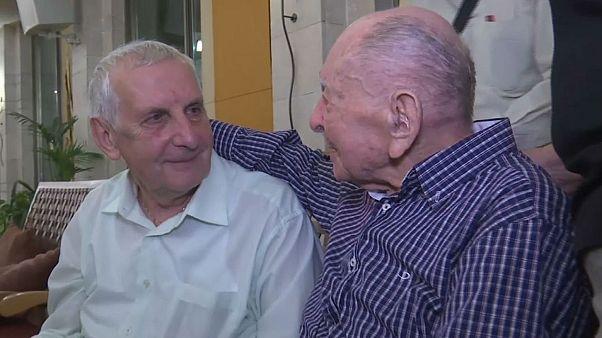 Un superviviente del Holocausto conoce al sobrino que nunca supo que tenía