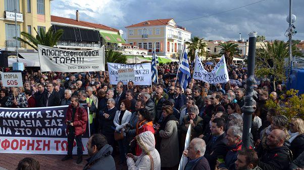 Γενική απεργία στη Λέσβο για το προσφυγικό