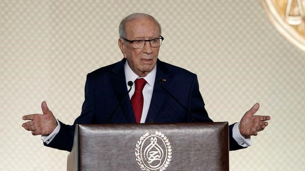 اعتقال شخصين بتهمة نشر شائعات عن وفاة الرئيس التونسي