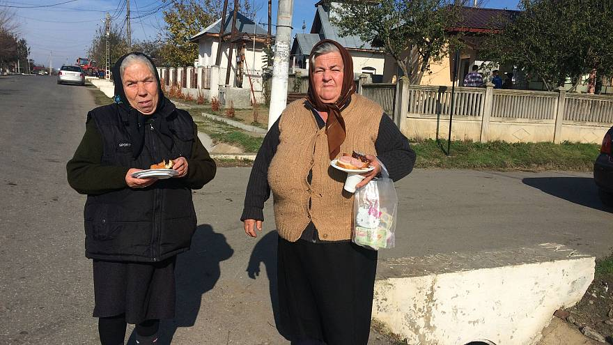 Corruption protests find few echos in Romanian village life