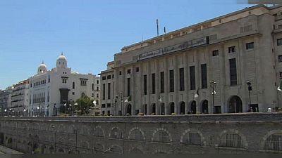 """Algérie : son journal """"asphyxié"""" financièrement par l'Etat, une journaliste cesse sa grève de la faim"""