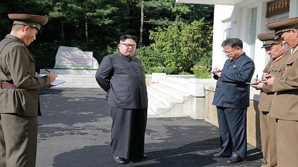 زعيم كوريا الشمالية يعاقب ساعده الايمن هوانغ بيونغ-سيو