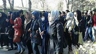 خودکشی زهرا خاوری دانشجوی دامپزشکی کابل و اعتراض دانشجویان