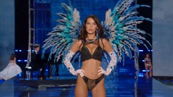 Los ángeles de Victoria's Secret extienden sus alas en China