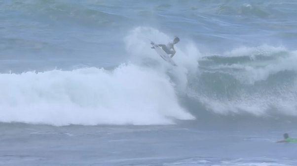 Filipe Toledo gewinnt World Surfcup auf Hawaii