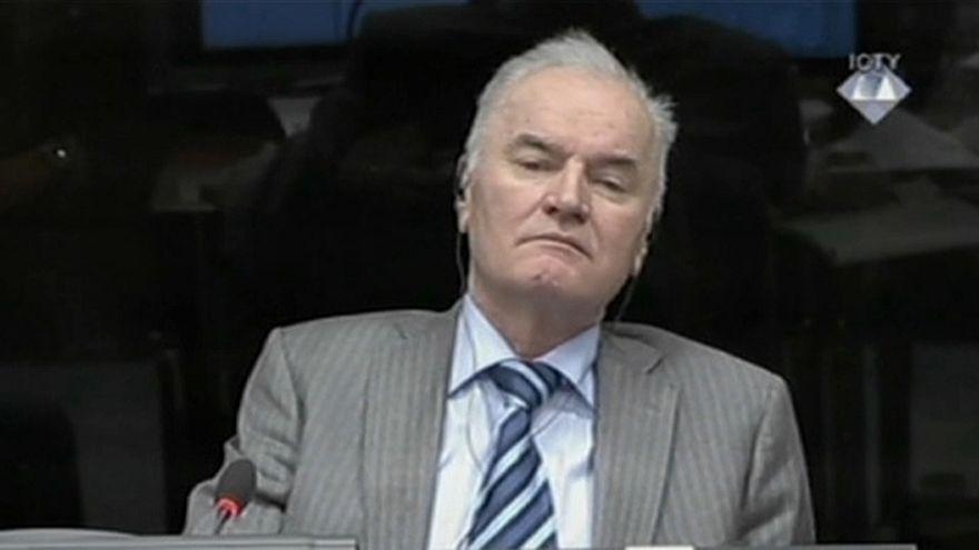 Familiares das vítimas pedem prisão perpétua para Mladic
