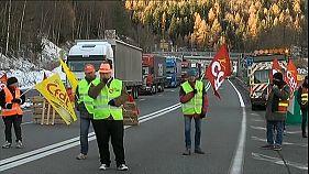 Camiões bloqueiam ligação entre França e Itália