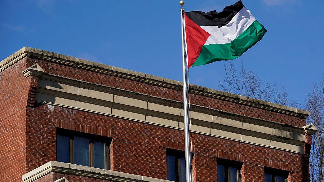 السلطة الفلسطينية تجمد الاتصالات مع واشنطن
