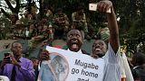 Les habitants de Harare fêtent le départ de Mugabe