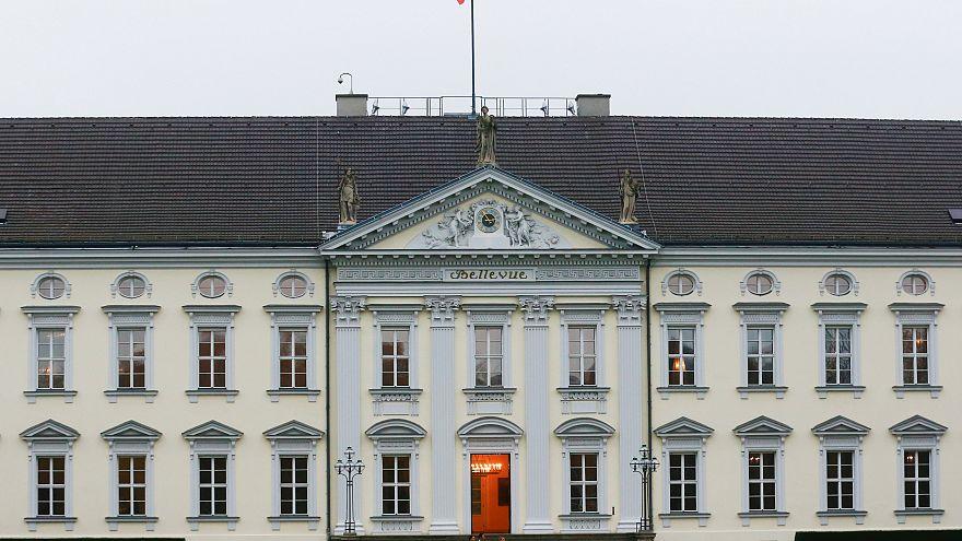 Crisi politica in Germania: trattative in corso a Bellevue per trovare un accordo