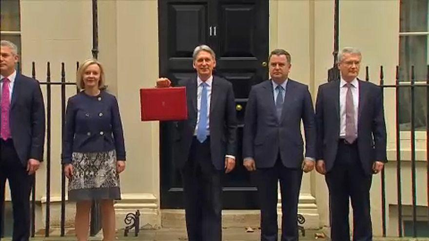 Reino Unido revê crescimento em baixa