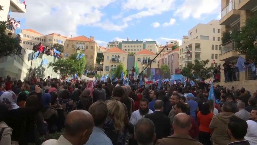 الآلاف أمام منزل الحريري.. سِرْ ونحن معك