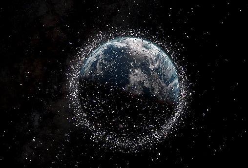 حطام المركبات الفضائية خطر يهدد الاقمار الصناعية ورواد الفضاء